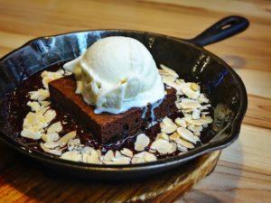Plum cake and vanilla ice cream